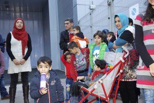 Réfugiés syriens et irakiens accueillis le 4 novembre 2015 à Luxexpo. (photo archives LQ)