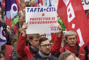 Manif anti-CETA à Luxembourg, le 8 octobre. (photo LQ)