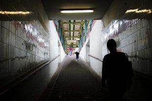 L'adolescent a été piégé par deux autres jeunes, vendredi soir à la gare d'Esch. (illustration Editpress)