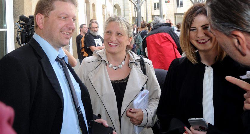 Raphaël Halet et son épouse lors du procès LuxLeaks, en juin dernier à Luxembourg. (photo Hervé Montaigu)