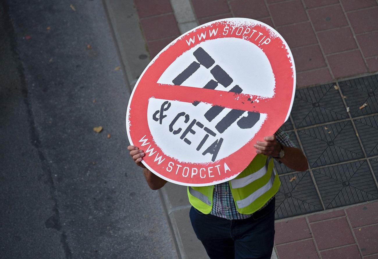 Les syndicats sont particulièrement mobilisés, de part et d'autre de l'Atlantique. (photo AFP)