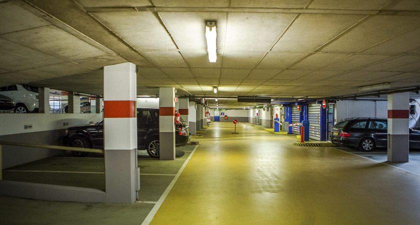 Une fois la rénovation effectuée, le parking comptera 678 emplacements... et une brasserie en son sein ! (photo Tania Feller)