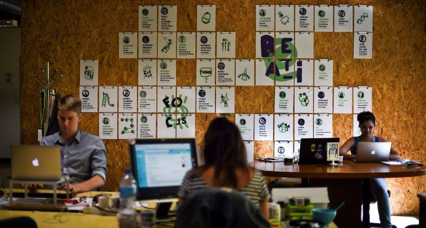 Au Portugal, la création de nouvelles entreprises, dont de nombreuses start-up, est déjà 3,3 fois supérieure aux faillites. (photo AFP)