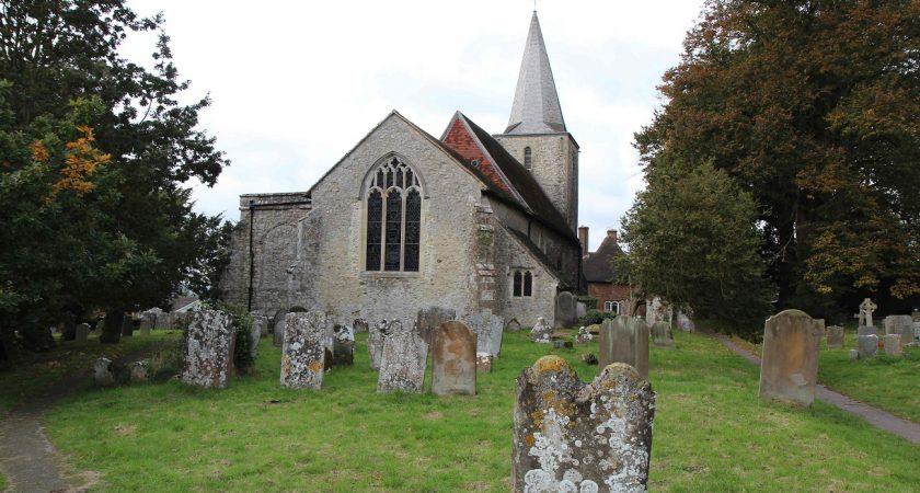 L'église St Nicholas et son modeste cimetière grouillent évidemment de fantômes et d'esprits. (photos AFP)