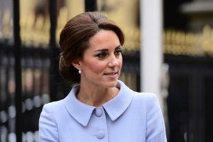 """Parues dans des médias français, les images """"topless"""" de Kate Middleton avaient ensuite été publiées dans d'autres quotidiens européens. (photo AFP)"""