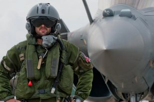 A 26 ans, Quentin est devenu pilote de chasse sur Rafale. Sachant que la filière est méconnue, son parcours a de quoi faire naître des vocations. Chaque année, l'armée de l'air recrute 50 pilotes ou navigateurs. (Photo DR/Aurélie Genetier)