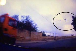 Le crash de l'avion a été filmé. (capture Twitter)