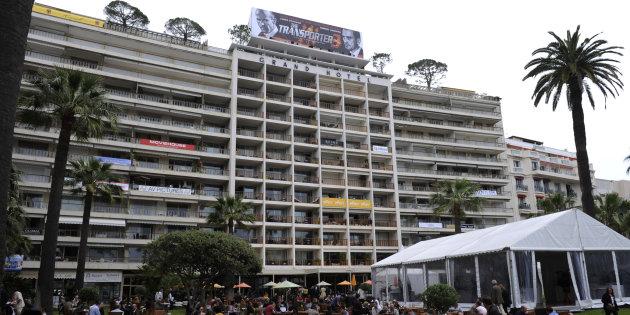 Le Grand Hôtel à Cannes est l'un des cinq fleurons de l'hôtellerie cannoise. Ses jardins donnent sur la célèbre Croisette. (illustration AFP)