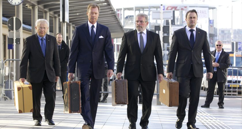 Hommage le luxembourg se souvient des 323 juifs d port s for Chambre de deputes luxembourg