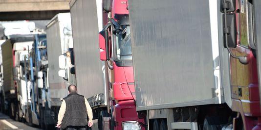 En cause : un faux certificat attestant de l'exercice au Portugal d'une activité de transporteur routier. (photo d'illustration AFP)