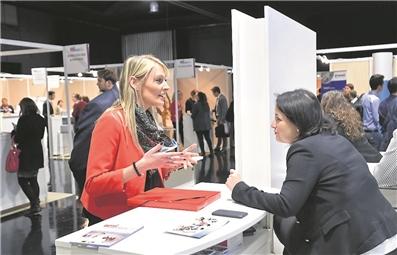 emploi au luxembourg 76 des entreprises souhaitent recruter cette ann e. Black Bedroom Furniture Sets. Home Design Ideas