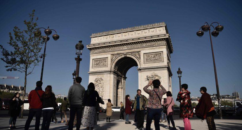 Le profil de l'assaillant au coeur de l'enquête — Attentat Champs-Elysées