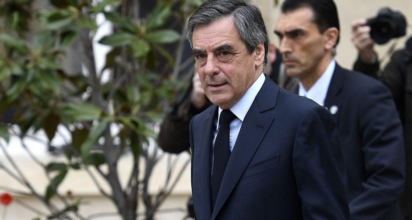 François Fillon abandonne — Législatives