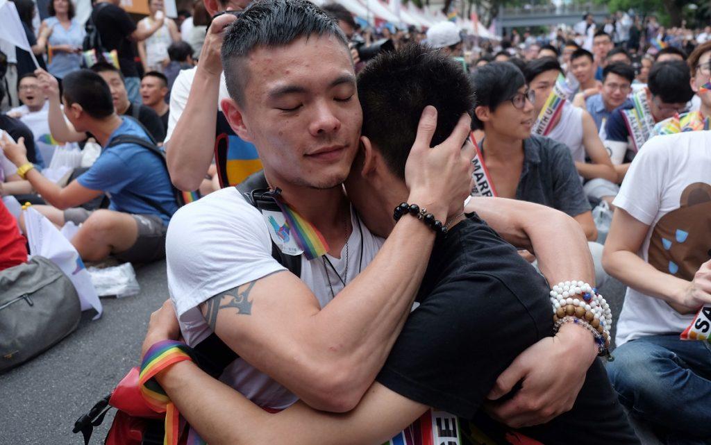 asiatique gay rencontre ma premiere relation gay
