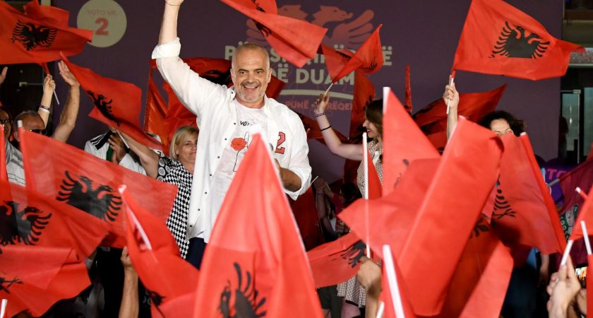 Albanie: la victoire du socialiste Edi Rama se confirme