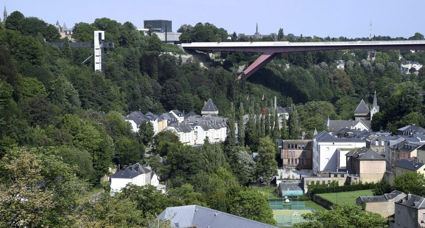 L 39 ascenseur du pfaffenthal a un an et d j plus de 27 000 for Piscine au luxembourg