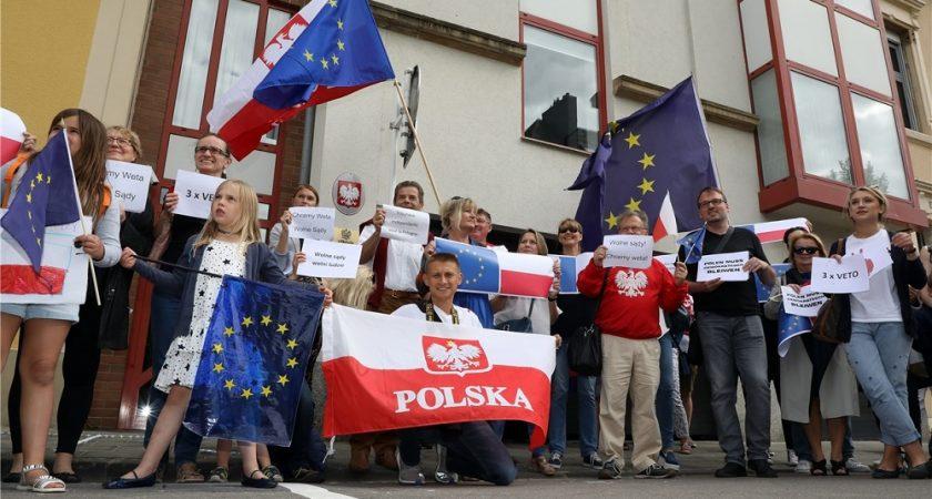 Les Polonais contre la réforme de la justice