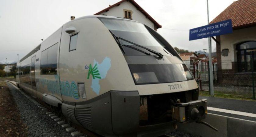 France deux morts dans une collision entre un ter et une voiture - Train from bayonne to st jean pied de port ...