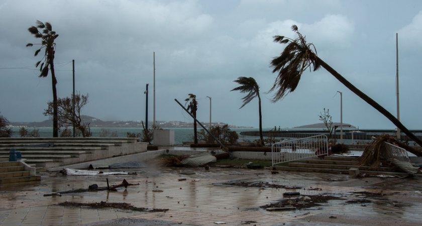 Ouragan Maria en Guadeloupe : signature de l'état de