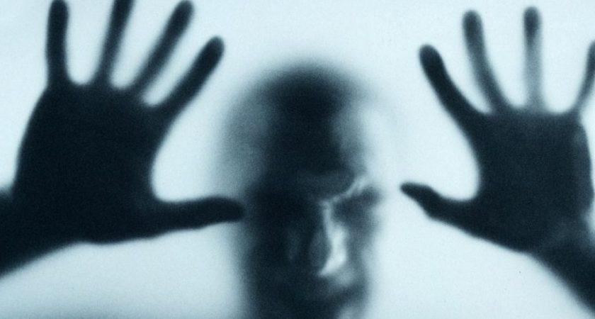 Les symptômes de Georges «s'apparentent à des hallucinations. Mon frère entend des voix et sa réalité n'est, a fortiori, pas la même que la nôtre. Sans parler des épisodes de paranoïa où il se sent poursuivi par les services secrets voire par les nazis», témoigne madame T., sa sœur. (Photo : dr)