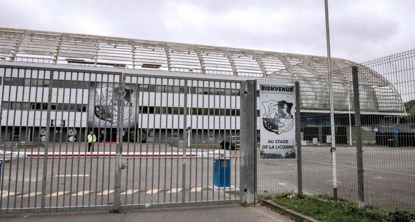 Amiens-Lille : Une barrière s'effondre, le match interrompu