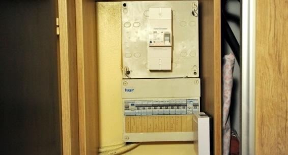 thionville plus de 4 400 euros pour changer un disjoncteur. Black Bedroom Furniture Sets. Home Design Ideas
