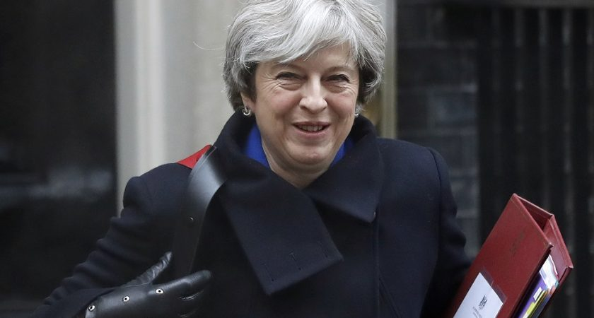 Theresa May remanie, nouveau chef du Parti conservateur