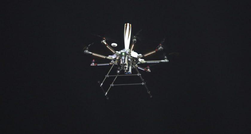 Des nageurs secourus en mer par un drone, une première