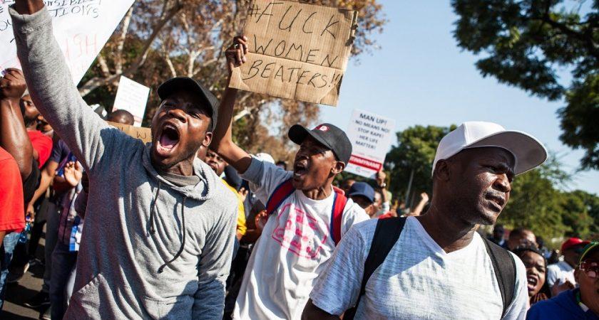 En Afrique du Sud, chasse à l'homme au pénis mordu | Le Quotidien