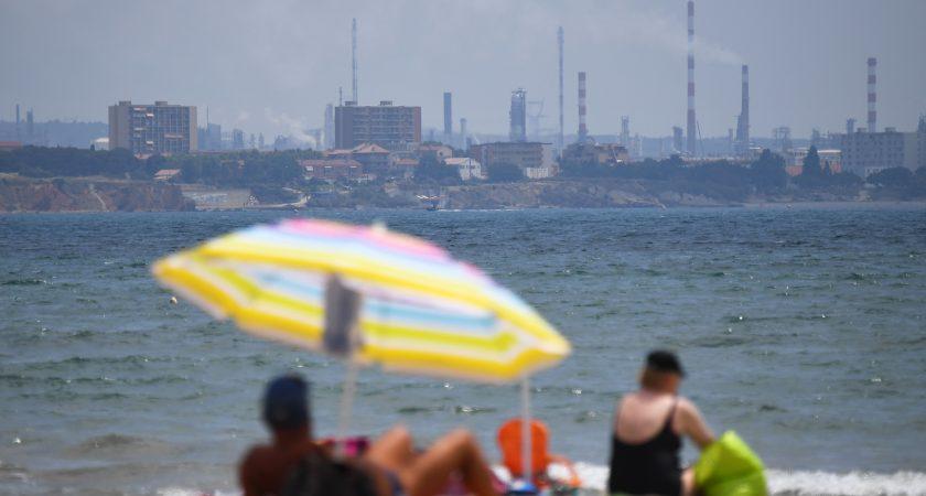Plainte contre ArcelorMittal et Esso à Fos-sur-Mer — Pollution