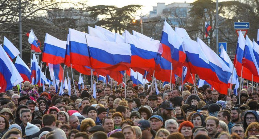 Moscou, indignée, dénonce une