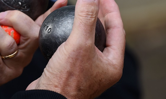 Un homme tué par l'explosion d'une boule de pétanque — Pyrénées-Orientales
