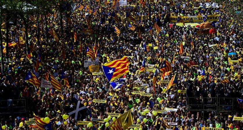 Manifestation à Barcelone contre la détention d'indépendantistes — Catalogne
