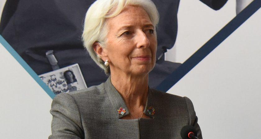 FMI : La croissance économique en Tunisie reprend, mais…