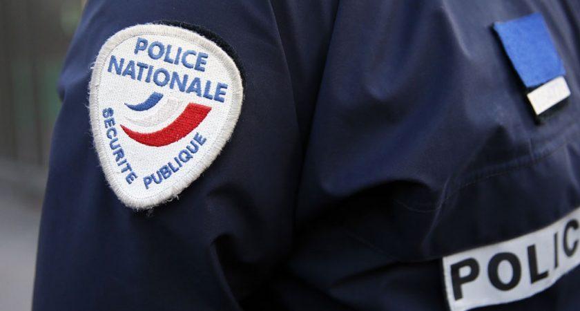 Agression d'une policière, 11 personnes mises en examen