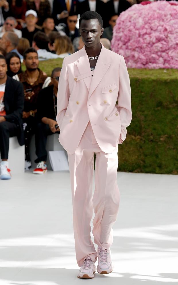 a95beca51f3f Fashion week  le vestiaire de l homme s émancipe