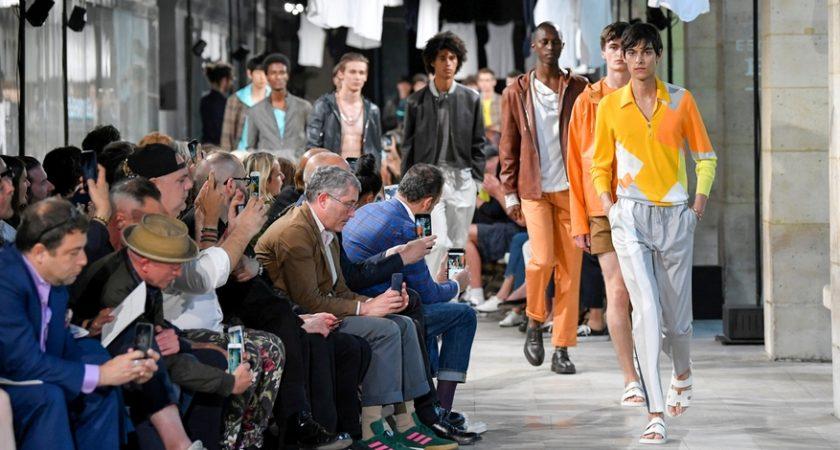 bceed457bced Fashion week  plus coloré et audacieux, le vestiaire de l homme s