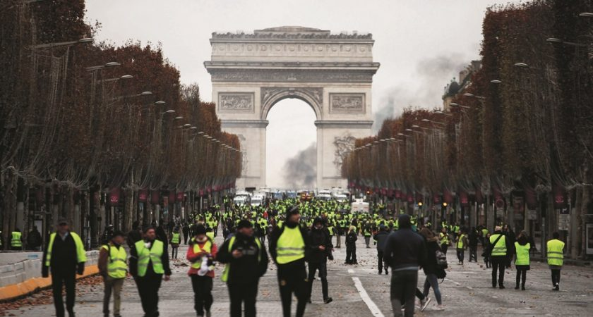 Violences à Paris : 412 personnes interpellées et 378 en garde à vue