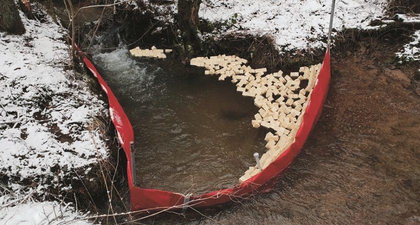 du mazout d vers dans un cours d 39 eau au luxembourg depuis la belgique. Black Bedroom Furniture Sets. Home Design Ideas