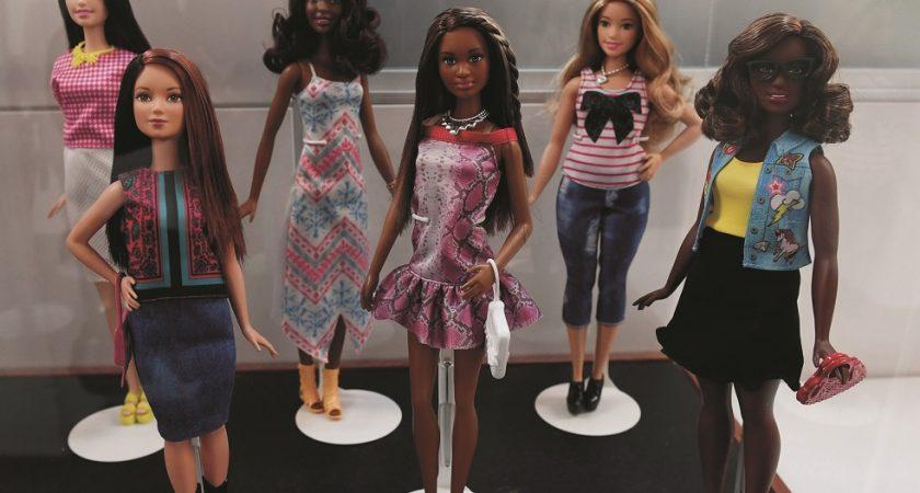 Barbie Ride Ans Une Bientôt A 60 Pas Et WE29DHYI