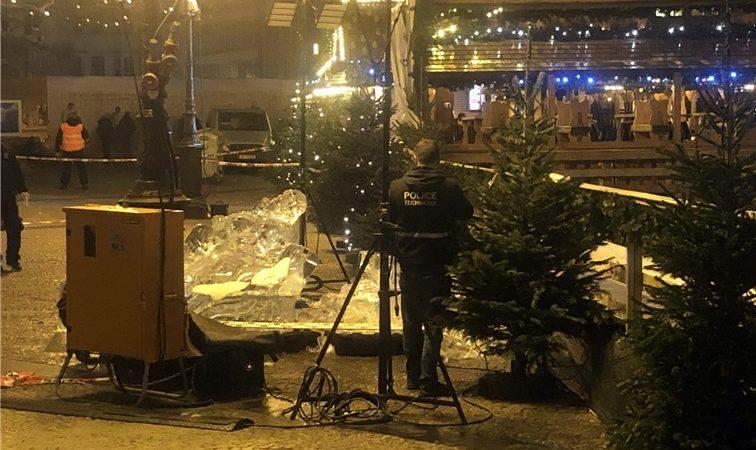 Un enfant tué par la chute d'une sculpture en glace à Luxembourg — Marché de Noël