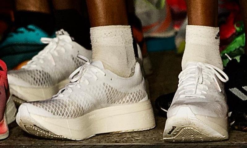 Athlétisme] Les prototypes de chaussures interdits en