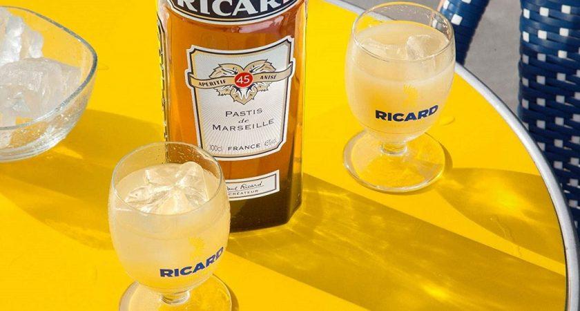 Ricard offre 70.000 litres d'alcool pour fabriquer du gel hydroalcoolique — Coronavirus